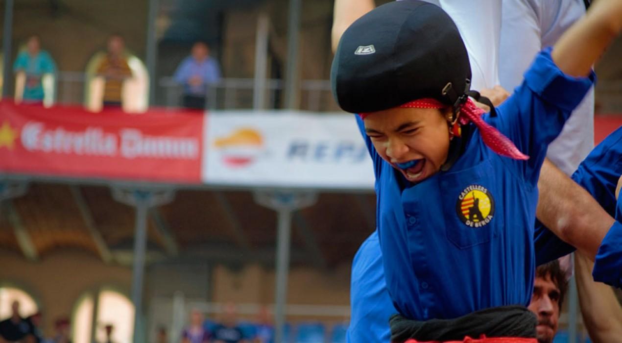 Els Castellers de Berga s'acosten al cel en la primera de moltes temporades de cine