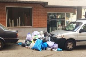 Continua la revolta de les escombraries a Berga