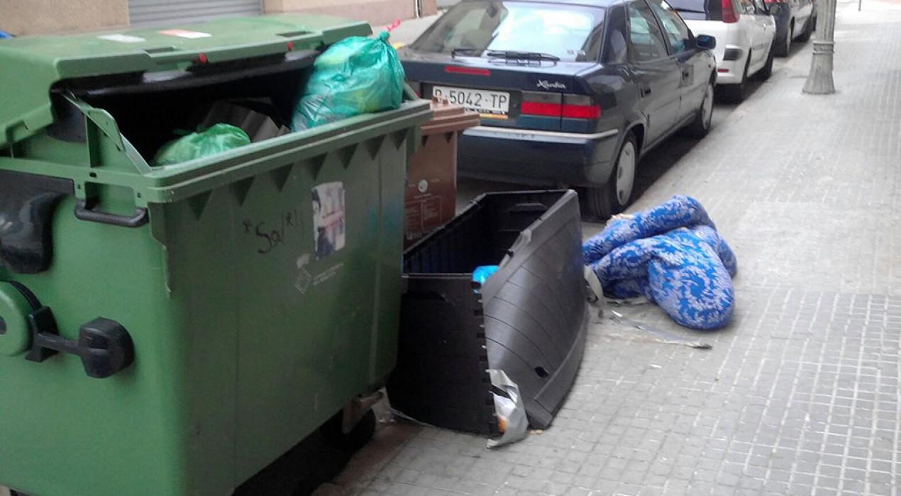 Berga recorda que hi poden haver sancions per deixar objectes voluminosos al carrer