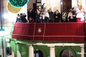 La lectura dels discursos dels Reis a Berga es trasllada a les escales de l'església de Sant Pere