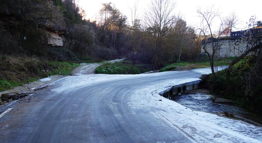 carretera-glaçada-gelada-glaç-ametlla-casserres-fred-gel