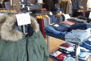 Les botigues de moda de Berga fan una crida a la unió per resistir la nova llei del comerç