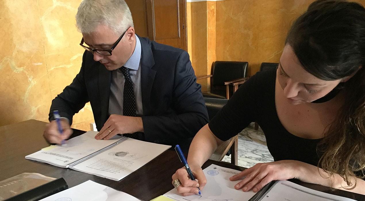Berga signa el contracte pel canvi d'enllumenat, que estarà enllestit a finals d'estiu