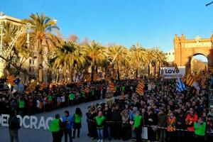 Tres busos del Berguedà es desplacen a Barcelona per ser a la mobilització pel judici del 9-N