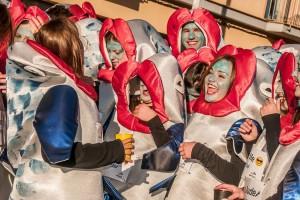 Les sardines triomfen a Berga en un Carnaval amb molta animació però pocs aspirants a carrossa