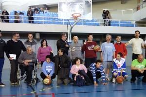 Dos berguedans impulsen el primer equip de bàsquet de la comarca per a persones dependents