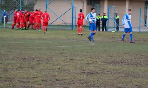 Avià invertirà un mínim de 200.000 euros aquest estiu en arreglar el camp de futbol i posar-hi herba artificial; max-width:100%;