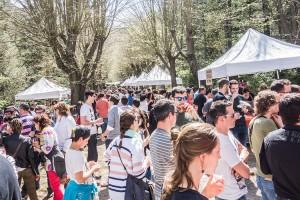 El Vieer Fest triomfa a Cal Prat i revitalitza la colònia a base de cervesa i menjar de proximitat