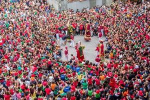 La Patum infantil estén la mà al Govern català per defensar la celebració del referèndum