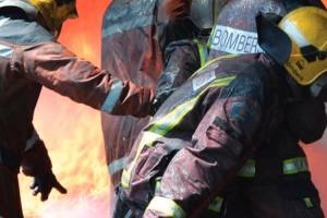 Els Bombers donen per controlat un petit incendi en uns matolls propers a la C-16 entre Berga i Olvan