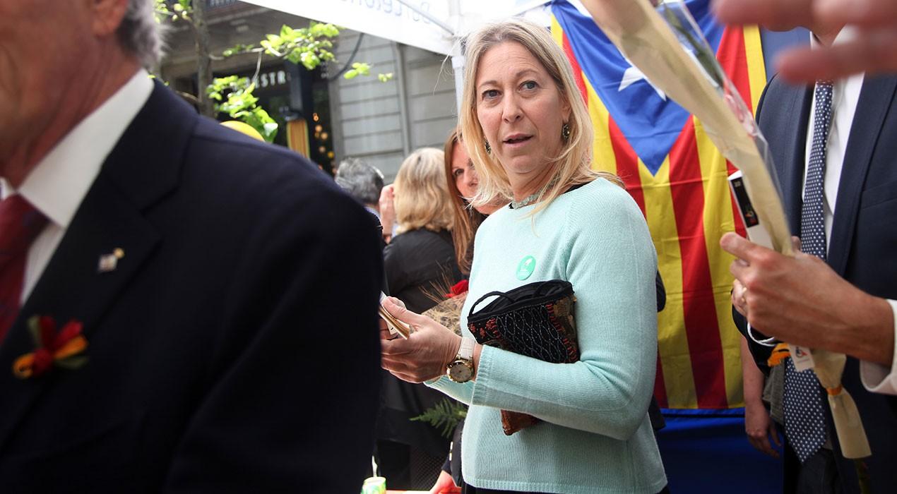 La consellera Munté i la vicepresidenta del Parlament, Anna Simó, pugen a la Patum 2017