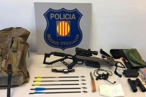 Denuncien un home al Berguedà per caçar amb una ballesta sense llicència, guia ni autorització