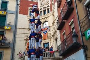 Els Castellers de Berga descarreguen el primer 4 de 8 de la seva història en un aniversari de traca i mocador