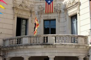 Mostres de solidaritat pels atacs terroristes des d'arreu a la comarca
