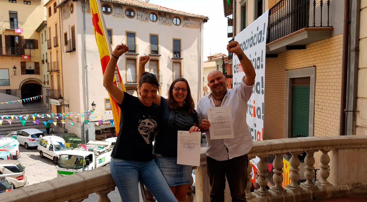 La majoria d'alcaldes i alcaldesses del Berguedà signen el decret per donar suport al referèndum