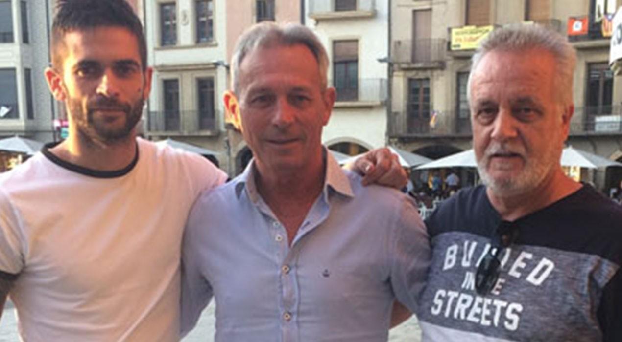 El partit de Josep Anglada diu que es presenta a Berga, però només ensenya un militant