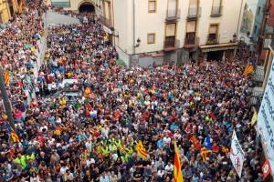 Manifestacions, persianes avall i carreteres tallades en una aturada massiva i històrica al Berguedà