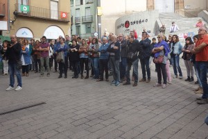 El Berguedà s'atura i surt al carrer per rebutjar l'empresonament de Jordi Sànchez i Jordi Cuixart
