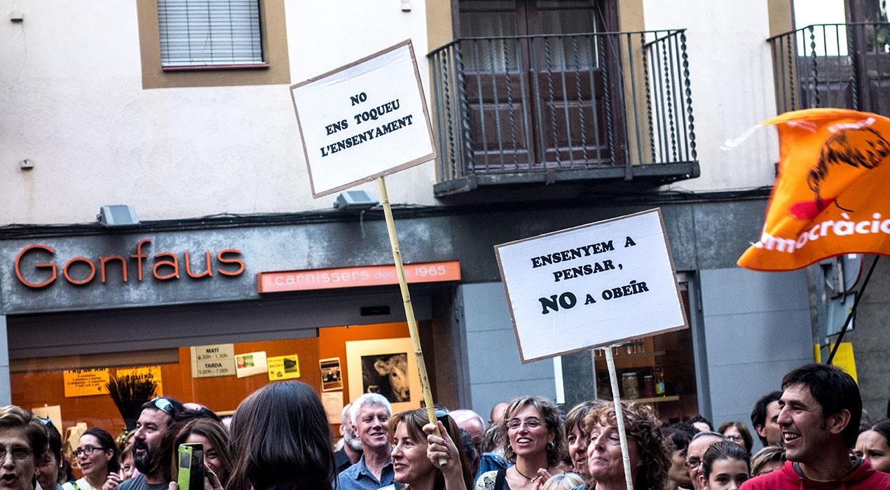 """L'Ajuntament de Berga defensa el model d'escola catalana i carrega contra """"els atacs"""" de l'Estat"""