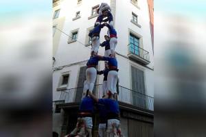 Els Castellers de Berga descarreguen dos castells de 7 a la Fira Mediterrània de Manresa