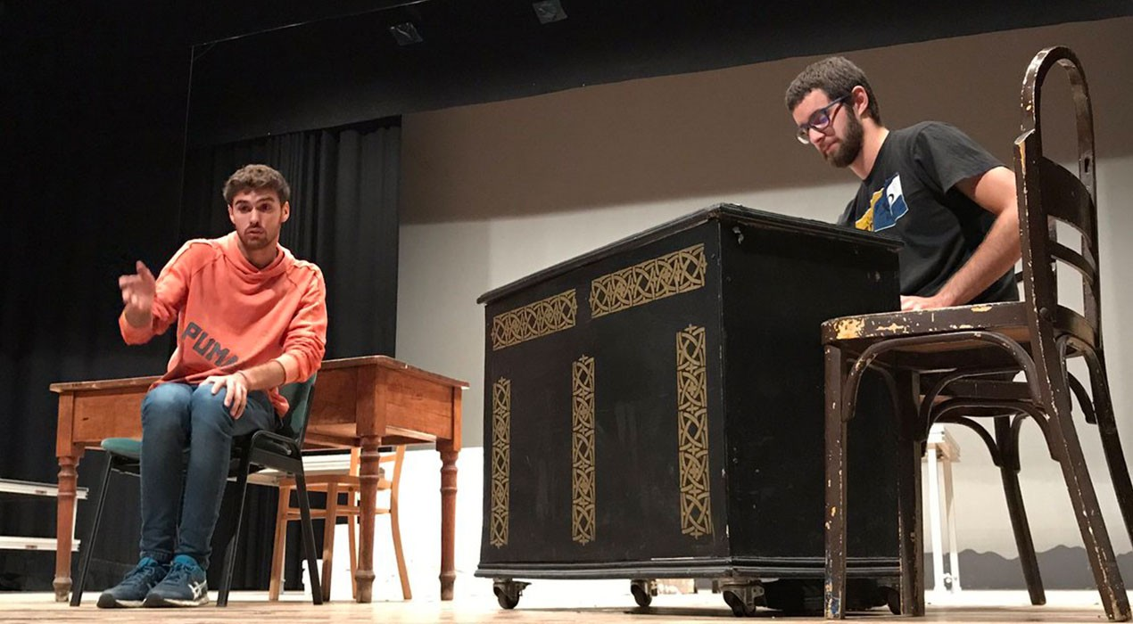 Arts escèniques i música per omplir el pati de butaques del Teatre Municipal de Berga fins a finals d'any