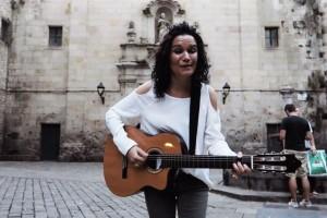 Laura Luceño, de Sant Julià de Cerdanyola, dedica una cançó a Barcelona després dels atemptats del 17-A