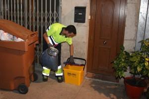 Una empresa analitza com reciclen els comerços del Berguedà per desplegar-hi el porta a porta