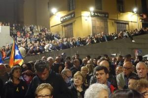 Tristor, ràbia i unió en una nova concentració a la plaça de Sant Pere, en suport al Govern empresonat