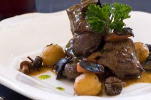 Nou restaurants del Berguedà ompliran els seus menús de plats de caça fins a finals de gener