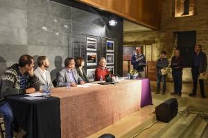 Carles Punyet recull al monestir de Sant Llorenç el primer premi del Concurs de Fotografia del Berguedà