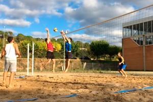 Qui deia que el vòlei platja era un esport d'estiu?