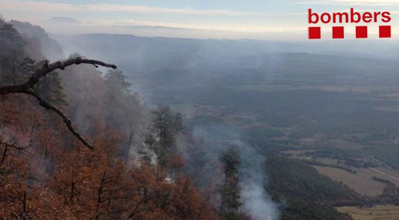 Un incendi forestal crema més de dues hectàrees i mitja a l'Espunyola des d'aquest dimecres