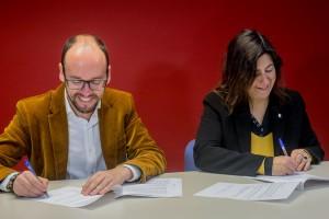 La Generalitat i el Consell Comarcal signen un conveni per millorar l'atenció al col·lectiu LGTBI
