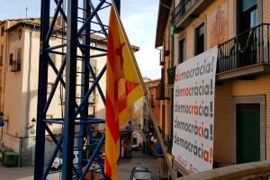 El PP de Berga demana la retirada d'estelades, llaços i pancartes dels edificis municipals fins que passi el 21-D