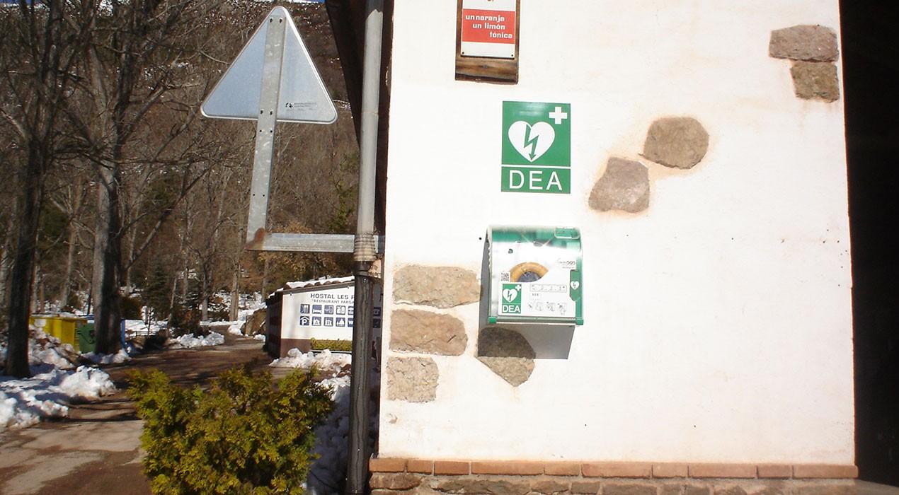 Castellar de n'Hug instal·la tres desfibril·ladors en els llocs de major afluència de persones