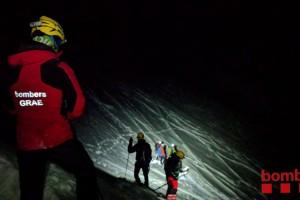 Rescaten tres joves atrapats al Pedraforca de nit mentre feien ràpel