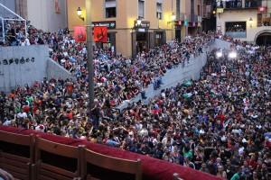 L'Ajuntament de Berga vol propostes: T'agrada el nou sistema per poder seure al balcó per Patum?