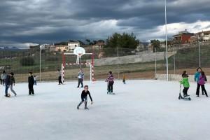 El barri del Cap del Pla, de Gironella, estrena pista poliesportiva