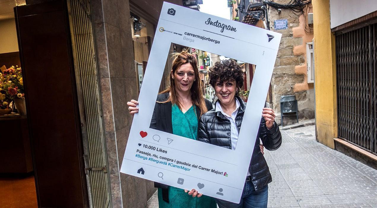 El carrer Major de Berga es converteix aquest dissabte en una passarel·la de moda