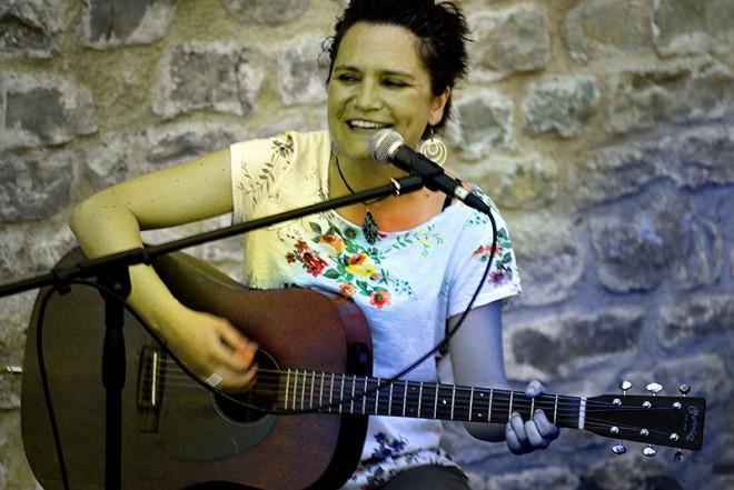 VERMUTS MUSICALS: Laura Luceño @ Monestir de Sant Llorenç (GUARDIOLA DE BERGUEDÀ)
