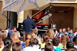 Puig-reig posarà un piano de cua a la plaça de l'Olivera perquè el toqui tothom qui vulgui