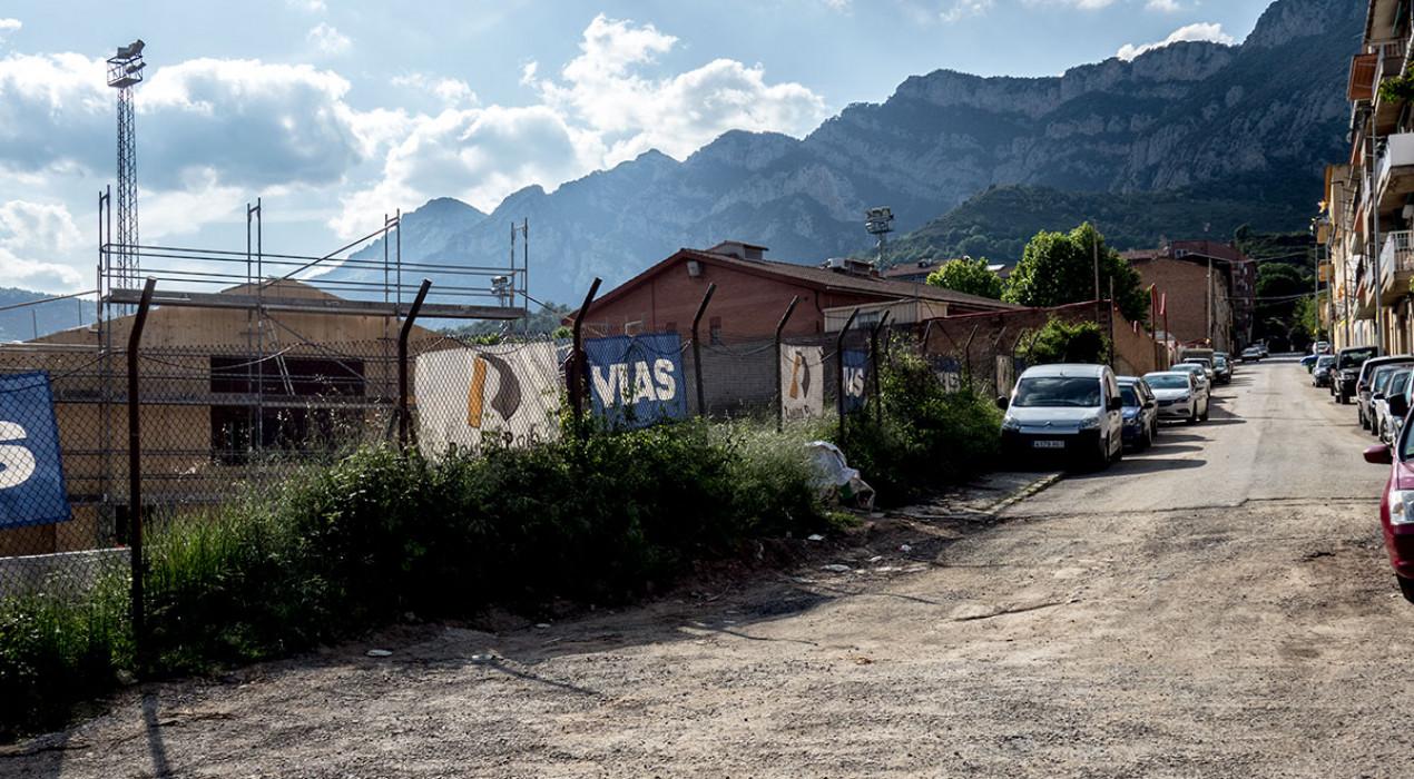 Les obres de l'Ajuntament per al nou institut també van amb retard i el carrer no estarà llest fins al gener