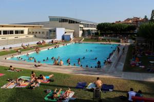 La piscina de Berga obre aquest dissabte amb entrada gratuïta per a tots els banyistes