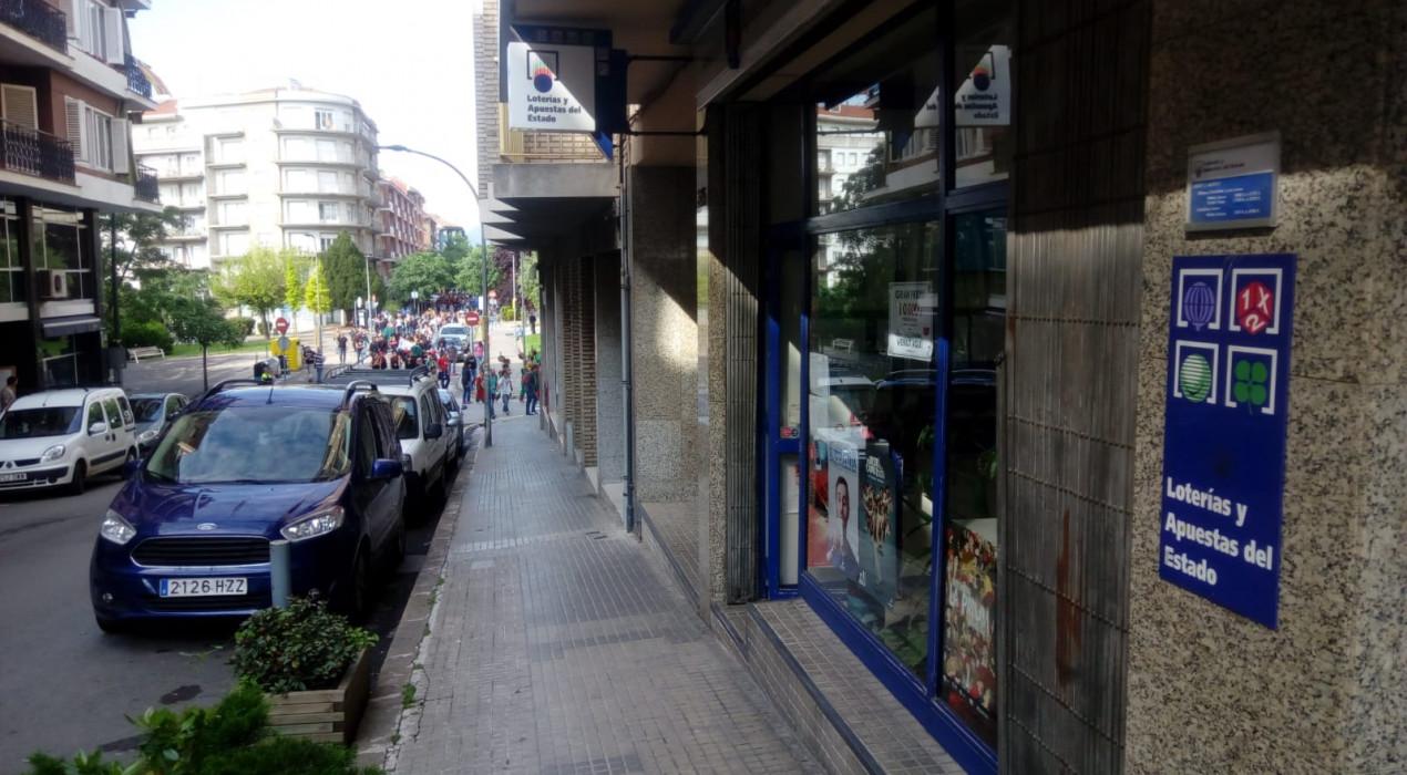 El primer premi de la Loteria Nacional cau a Berga i hi descarrega 300.000 euros en plena Patum