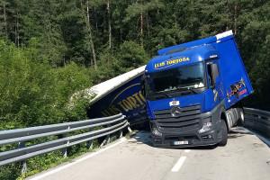 El conductor del camió bolcat a Vilada gairebé quadruplicava la taxa d'alcohol permesa en camioners