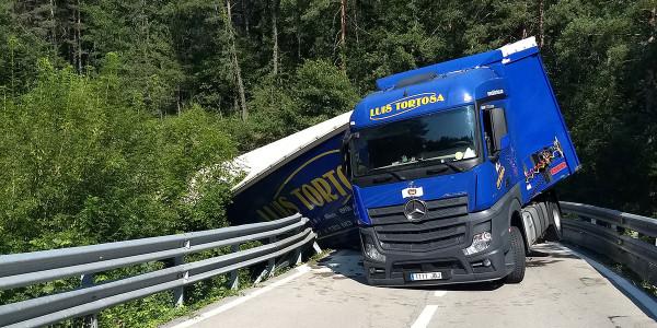 camio-vilada-accident