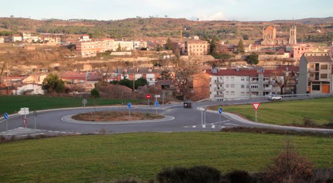 La rotonda de Cal Blau donarà la benvinguda als cotxes a Gironella amb lletres gegants amb el nom del municipi