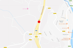 Un vehicle s'incendia a la C-16 a Gironella