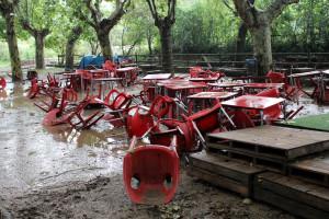 L'aiguat caigut anit a Gironella inunda la Font del Balç