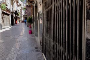 Un 65% dels comerços oberts a Berga han patit severes baixades de facturació